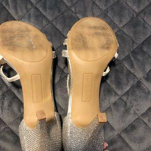 Bandolino Shoes - 🎉HOST PICKS🎉🎉🎉BANDOLINO golden sandals size 7